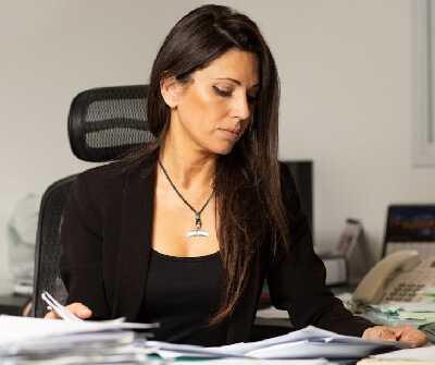 עורכת דין איזבל פוקס ואזנה