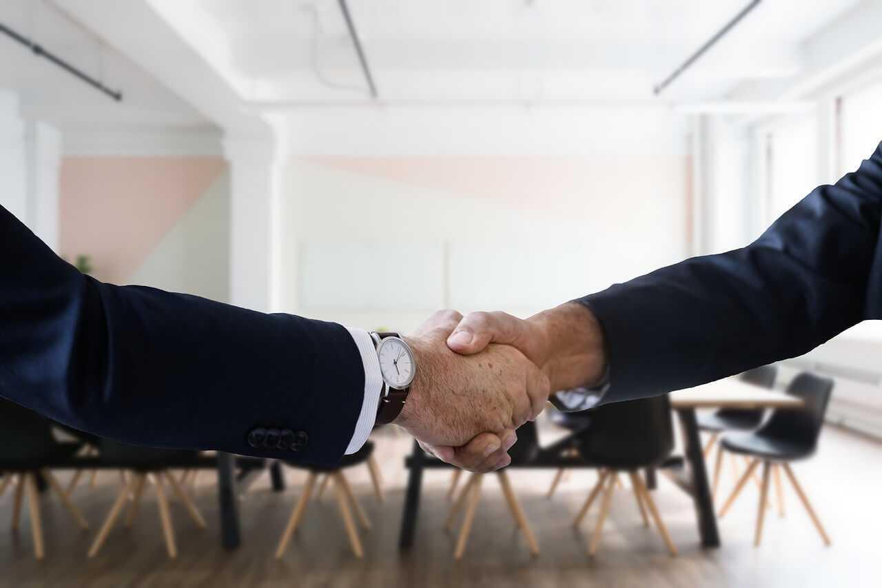 האם כדאי לכם להעסיק עובדים עם עבר פלילי?