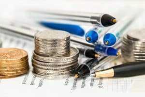 האם במקרה של עבירות מס יש לפנות לעורך דין פלילי?