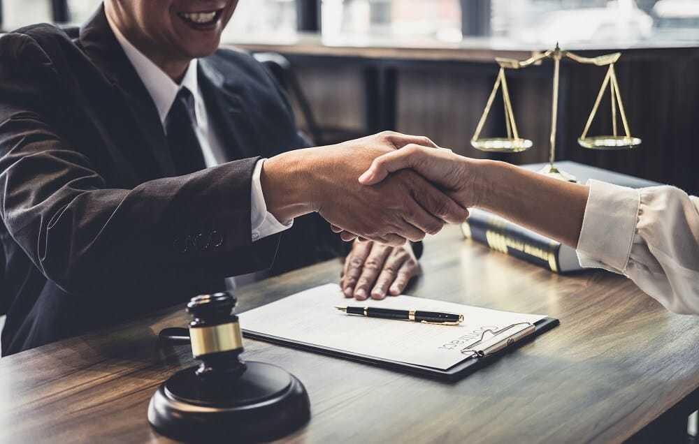 כמה עולה עורך דין פלילי?